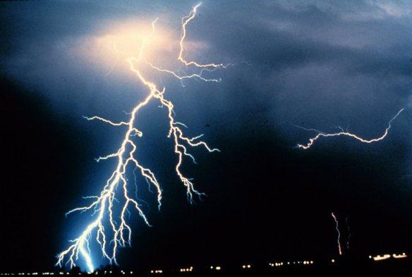 lightning_noaa_t960
